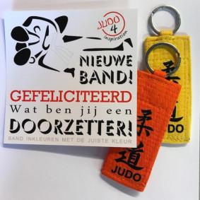 Accessories - Certificates - kopen - J4i Felicitatie Suitket Judobelt Key Ring
